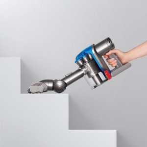 dyson digital slim dc35 cleaning stairs